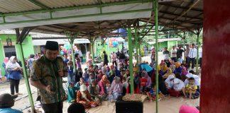 Calon Walikota Arief R. Wismansyah mengadakan blusukan dengan tatap kepada warga di RW 01/01 Panunggangan Barat, Tangerang, Selasa (20/2). Pada kesempatan itu Arief menyerap aspirasi warga, dan mengajak untuk bersama membangun kota Tangerang di lima tahun mendatang. Foto : Fajrin/Katakota