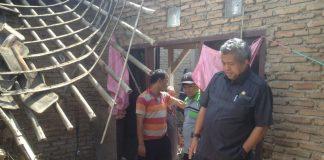 Anggota DPRD kota tangerang sidak rumah roboh