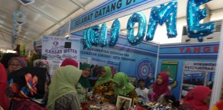 Pembukaan acara Tangerang Expo 2018 di ex-Lapangan Cibodas, Tangerang, Selasa (27/2). Acara itu menyajikan ratusan produk UMKM karya warga kota Tangerang dengan tujuan mempromosikan produk asli daerah yang digelar hingga 3 Maret 2018. Foto : Fajrin/Katakota